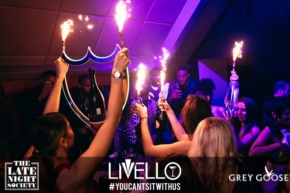 Some people carrying sparklers and alcohol in Newcastle nightclub, Livello